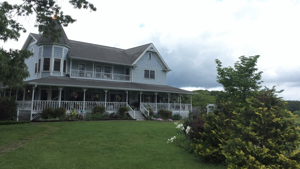 Blue Mountain Mist Inn and Cottages