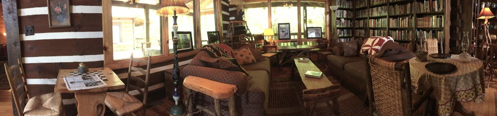 Living room at Creekwalk Inn and Cabins
