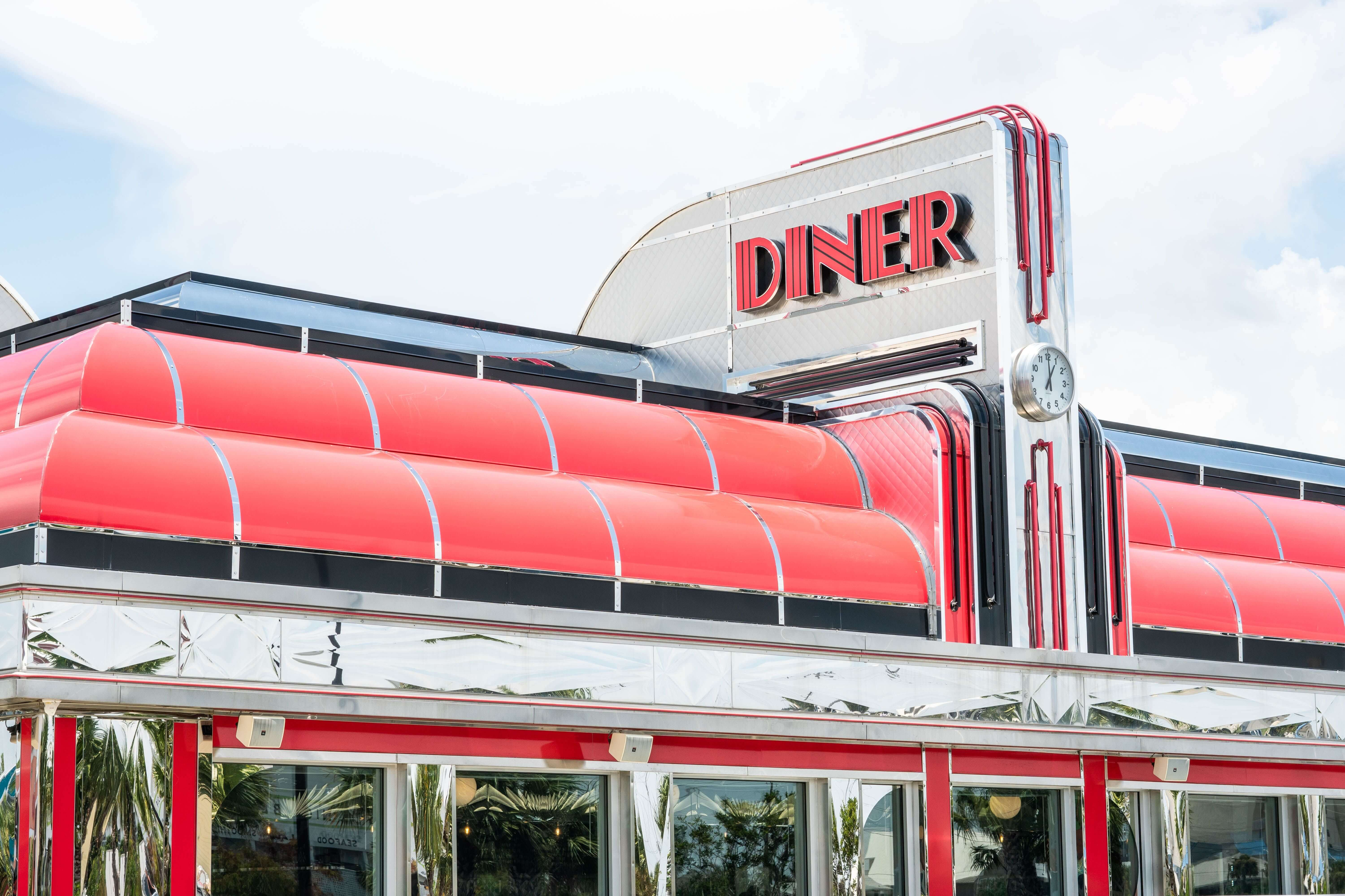 The 50 S Are Back Sunliner Diner Is Driving Into Pigeon Forge Otherthe Official Pigeon Forge Chamber Of Commerce